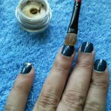 aplicacion-pigmentos-sombra-ojos-manicura