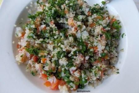 quinoa-tomate-cebolla-hierbabuena-perejil-tabule