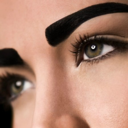 cejas-negras-shapie-error-maquillaje